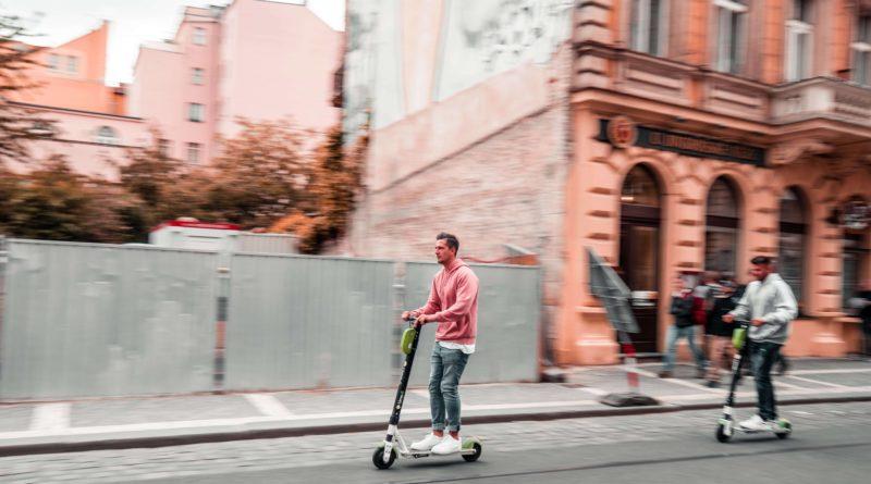 Göteborg först ut att begränsa elscootern